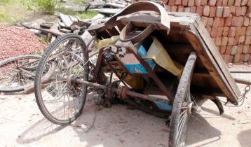গোপালগঞ্জে ট্রাকের চাপায় ভ্যানচালক নিহত