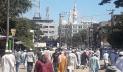 হাটহাজারী মাদ্রাসায় আল্লামা শফীর মরদেহ, মানুষের ঢল