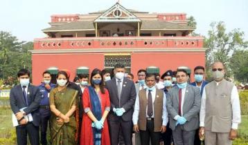শিলাইদহ কুঠিবাড়ি পরিদর্শনে ভারতীয় হাই কমিশনার