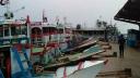 বৈরি আবহাওয়ায় শিমুলিয়া-কাঠালবাড়ী রুটে নৌযান চলাচল বন্ধ