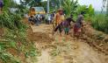 রাঙামাটিতে পাহাড় ধসে সড়ক যোগাযোগ বন্ধ