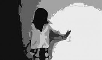মৃত বাবা-মায়ের কাছে 'বৃষ্টির নালিশ'