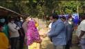 ৭০ বছরের বৃদ্ধাকে ঘর তৈরি করে দিলেন জেলা প্রশাসক