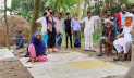 অবৈধ সম্পর্কের অভিযোগে স্বামীকে তালাক দিতে বাধ্য করলেন মাতব্বররা