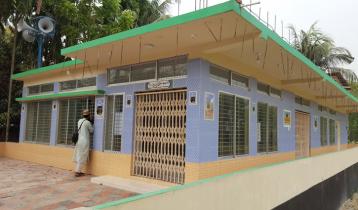 নানা বাড়িতে মসজিদ নির্মাণ করলেন সাকিব