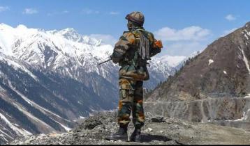 ভারতীয় সেনাবাহিনীর অর্ধেকের বেশি সদস্য মানসিক চাপে