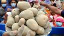 বেশি দামে বিক্রি, চট্টগ্রামে জরিমানা দিলো ১০ আলুর আড়ৎ