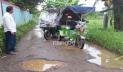 জাঙ্গিরাই-নয়াগ্রাম সড়কের বেহাল দশা, ঝুঁকি নিয়ে চলছেন স্থানীয়রা