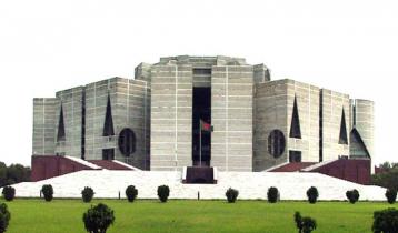 নিষ্ঠুর করোনা:  সংসদ প্লাজায় জানাজা ছাড়াই শেষ ঠিকানায় ৫ এমপি