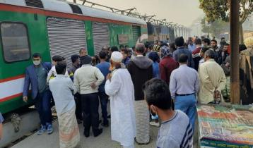 চাবি হারানোর ৩ ঘণ্টা পর ছাড়লো সিরাজগঞ্জ একপ্রেস