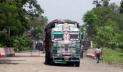 ভোমরা স্থলবন্দর দিয়ে পেঁয়াজ ভর্তি ট্রাক আসা শুরু