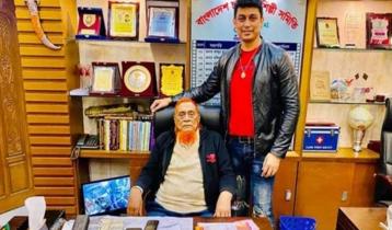 বাবা হারালেন জায়েদ খান