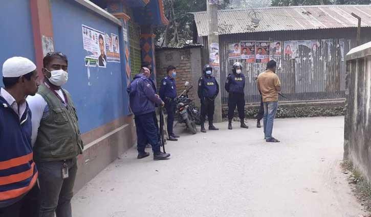 সিরাজগঞ্জে ৪ 'জঙ্গি'র আত্মসমর্পণ