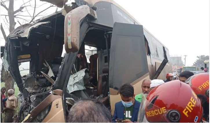 Collision between two buses kills 8 in Sylhet
