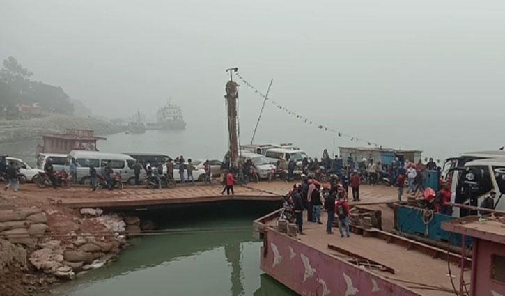 Paturia-Daulatdia ferry service resumes after 11 hrs