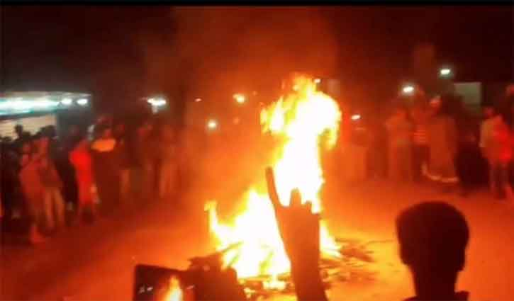 Youth beaten, burned to death in Lalmonirhat