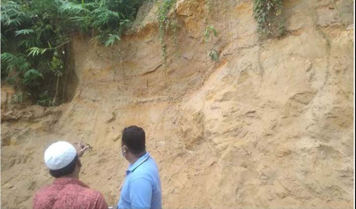 Two dead in Ramu hill collapse