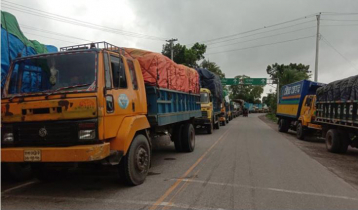 Over 300 trucks stuck at Paturia-Daulatdia ferry terminal
