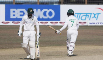 Mominul hits century, Liton fifty