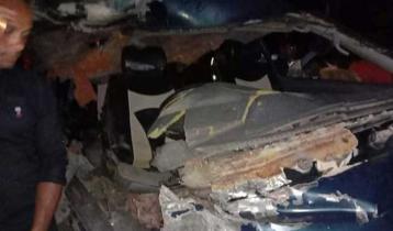 Tractor-microbus collision kills 2