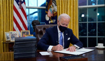 Biden signs 17 executive orders with responsibility