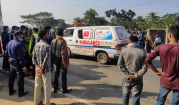 7 killed as bus hits auto-rickshaw in Mymensingh