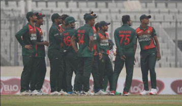 West Indies sets 123-run target against Bangladesh