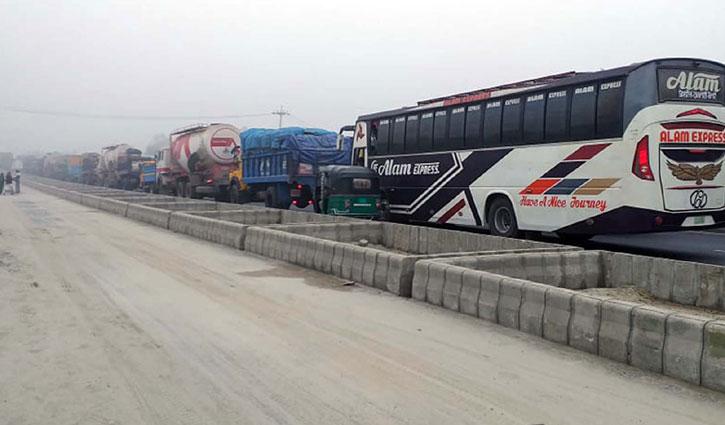 20-km long tailback on Tangail-Bangabandhu Bridge highway
