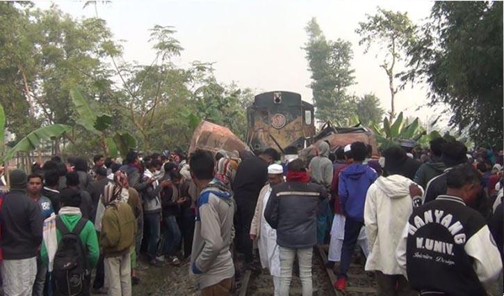 12 killed as train hits bus in Joypurhat