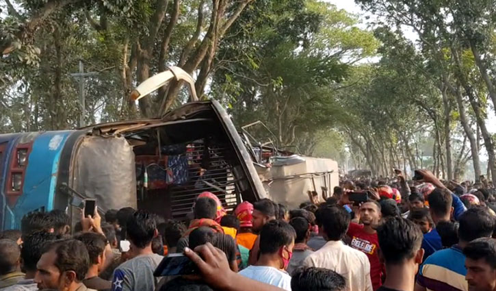 Bus-truck collision kills 10 in Jhenaidah