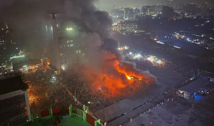 Fire at Karwan Bazar market under control
