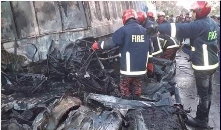 Three killed in private car's cylinder explosion