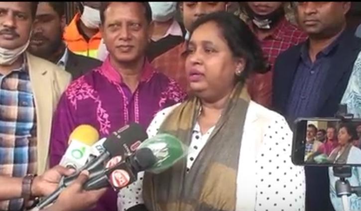 টিকা নিলেন মেয়র সেলিনা হায়াৎ আইভী