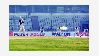 Zimbabwe lose 7 wickets