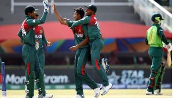 Bangladesh step into semis thrashing South Africa