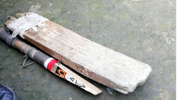 Teenager dies after being hit by cricket bat