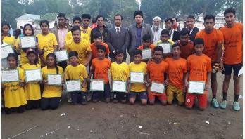 মুজিববর্ষ উপলক্ষে কুমিল্লায় আয়োজিত ফুটবল প্রশিক্ষণের সমাপ্তি
