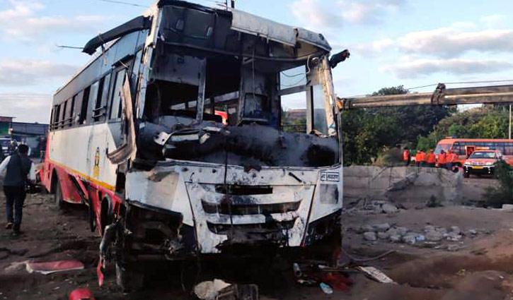Bus, auto-rickshaw collision kills 27 in India