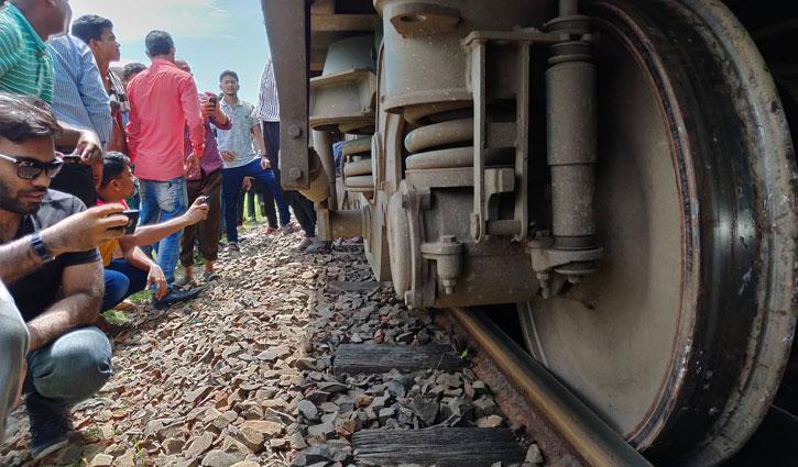 Derailment halts Mymensingh-Bhairab rail link