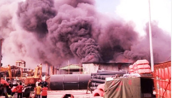 Fire breaks out at Chattogram port