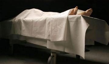 পুলিশের র্যাকার ভ্যানের ধাক্কায় মৃত্যু, গাড়িতে আগুন