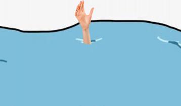 সন্তানকে বাঁচাতে বন্যার পানিতে প্রাণ গেলো মায়ের