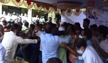 কুড়িগ্রামে বিএনপির ২ গ্রুপেরসংঘর্ষ: জেলার শীর্ষ নেতারা আহত