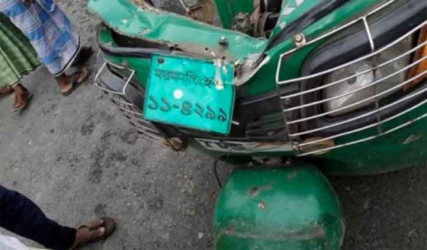 Seven killed in Mymensingh road crash