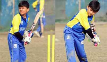 Young cricketer Ahnaf following father's foot prints (video)