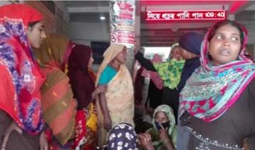 6 crushed under bus in Chuadanga