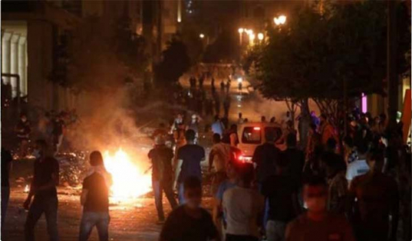 Anti-government protests break out in Beirut