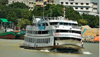 2 drivers of Mayur-2 arrested over Buriganga launch capsize