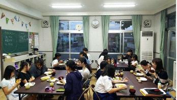 জাপানে খাদ্যে বিষক্রিয়ায় অসুস্থ সাড়ে ৩ হাজার শিক্ষক-শিক্ষার্থী