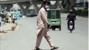 স্কুল-কলেজ খুলছে পাকিস্তান